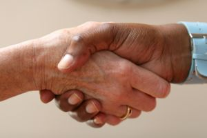 shaking-hands-1097209-m